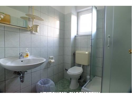 Appartementen Ivan Krvavica - Baška Voda Kroatië