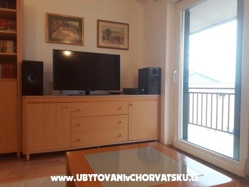 Apartmaji Jakir - Baška Voda Hrvaška