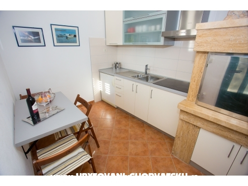 Appartements Stipic - Baška Voda Kroatien