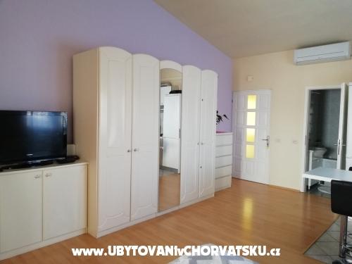 Apartm�ny Edo a Zuzana Sikavica - Ba�ka Voda Chorv�tsko