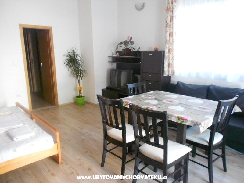 Appartementy Edo a Zuzana Sikavica - Ba�ka Voda Croatie