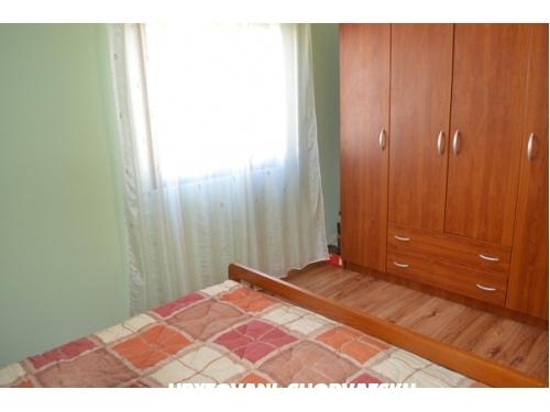 Apartm�ny Cvita - Betina Chorvatsko