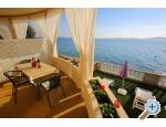 """Appartements  """" First row to the sea """" - Bibinje Kroatien"""