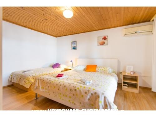 Apartmaji Bogdanić - Biograd Hrvaška