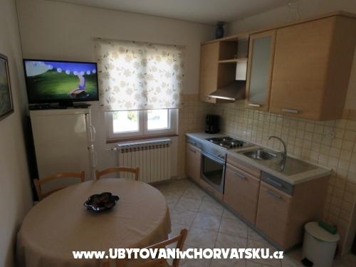 Apartmaji Gloria - Biograd Hrvaška