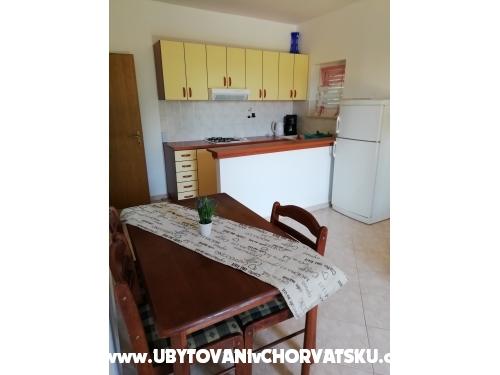 Apartmanok Mara - Biograd Horvátország