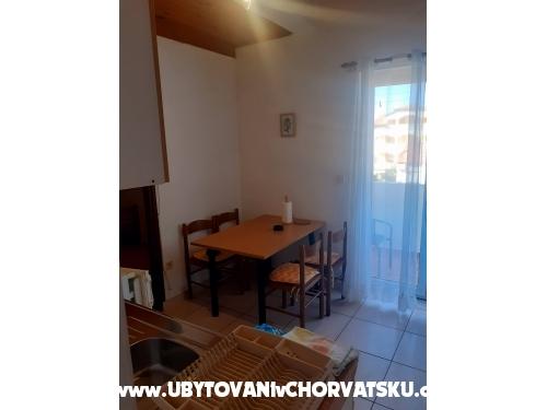 Apartmaji Frane - Biograd Hrvaška