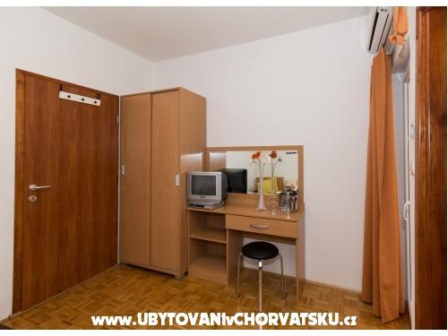 Pension Gašpar - Biograd Kroatien