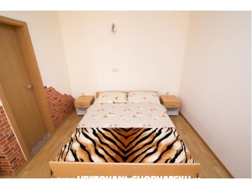 Studio apartmani Petra - Biograd Horvátország