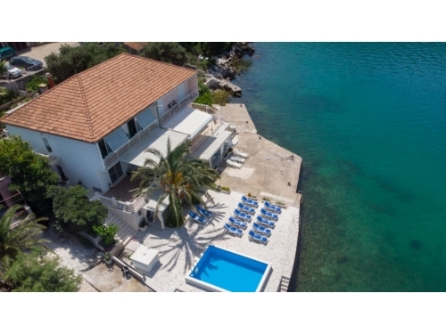 Apartment Ema Bartulovi� - Blace Croatia