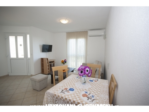 Apartments Melisa - Brač Croatia