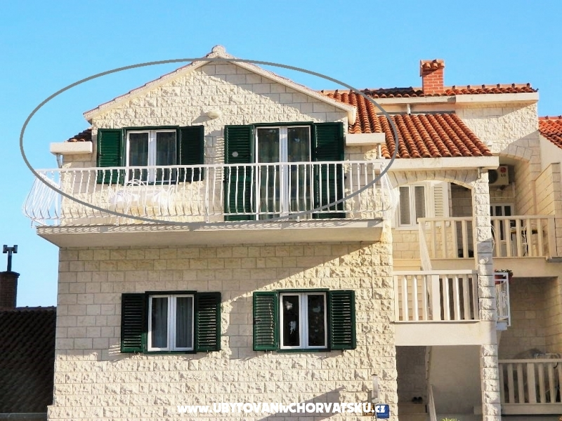 "Apartments ""JELAVIĆ"" - Brač Croatia"