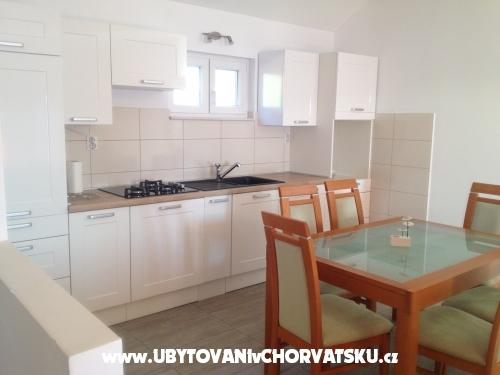 Apartmen Pla�a Divuje - Bra� Croatia