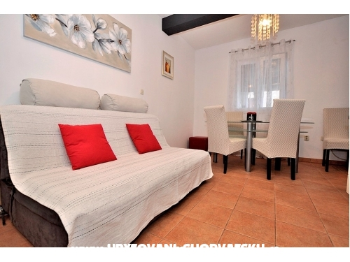 Apartments Karlena - Bra� Croatia