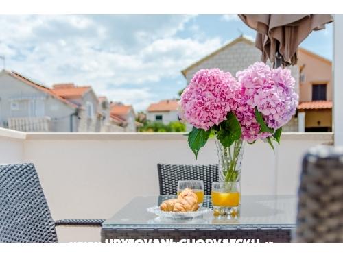 Villa Dinka - Brač Croatia