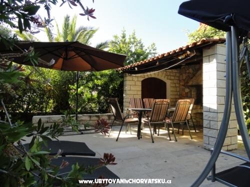 Villa Santa Lucia - Brač Hrvaška