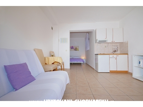 Apartments AnRi - Brela Croatia