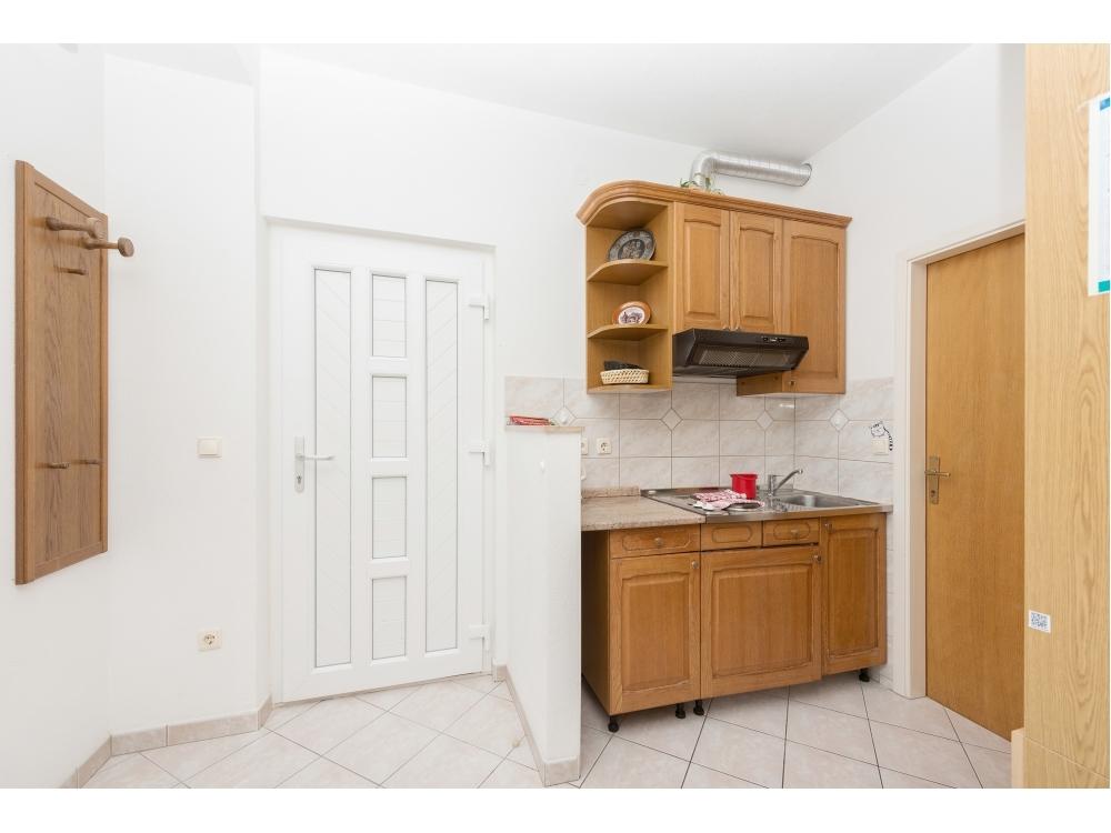 Apartmaji K i S Zelić - Brela Hrvaška