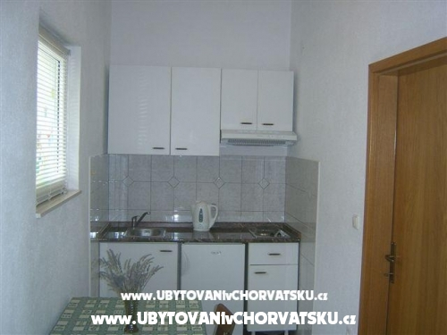 Appartementen Nela - Brela Kroatië