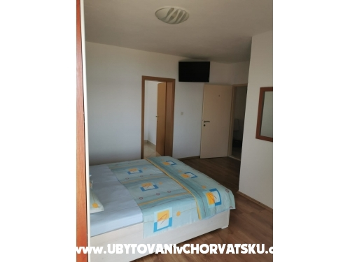 Apartmaji R&G - Brela Hrvaška