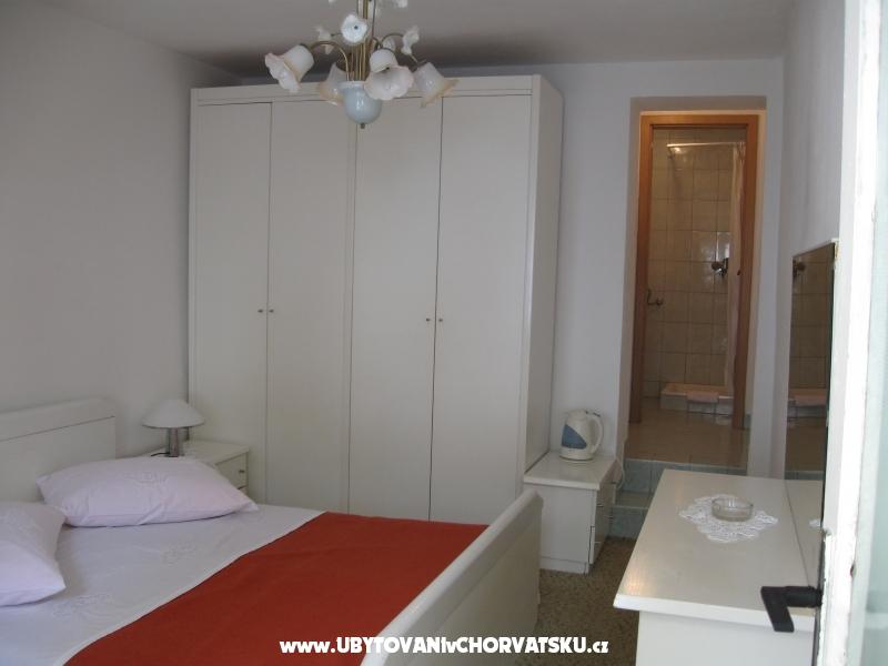 Apartmanok Ursić Žarko - Brela Horvátország