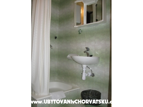 Appartements Ursić Žarko - Brela Kroatien