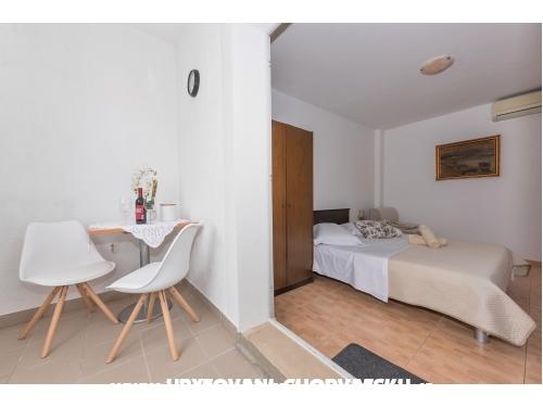 Appartements Vera i Ćiro Novak - Brela Kroatien