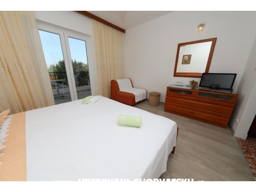 Apartments Ribi�i� - Brela Croatia