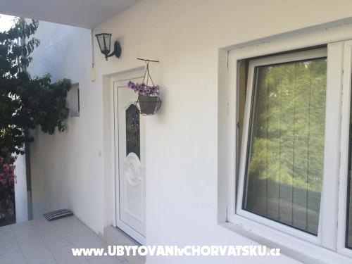 Apartmanok Ursus - Brela Horv�torsz�g