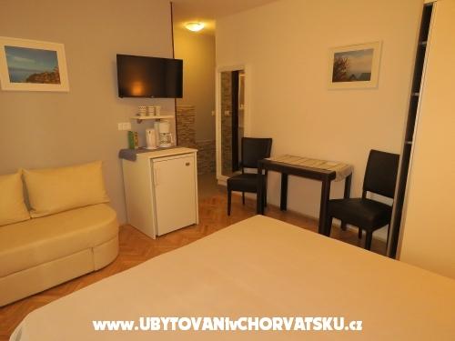 Appartementen Mirko Staničić - Brela Kroatië