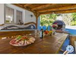 Villa MANTA 2x app.+Heated pool - Crikvenica Hrvaška