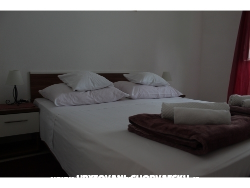 Apartmaji Antonela - Dugi Rat Hrvaška