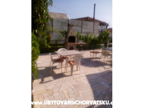 Apartments i sobe  Nazor - Dugi Rat Croatia