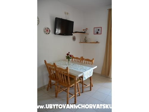 Apartments Niki - Dugi Rat Croatia