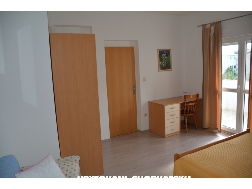 Appartements Niki - Dugi Rat Croatie