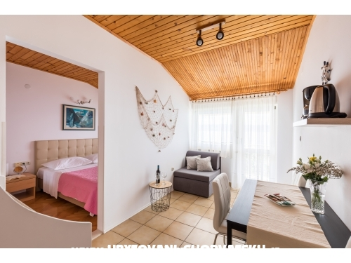 Beach apartments Villa Mirjana - Dugi Rat Hrvaška