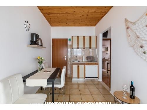 Beach apartments Villa Mirjana - Dugi Rat Chorvátsko