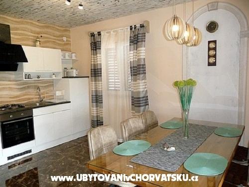 Ferienwohnungen Davorka - Fažana Kroatien