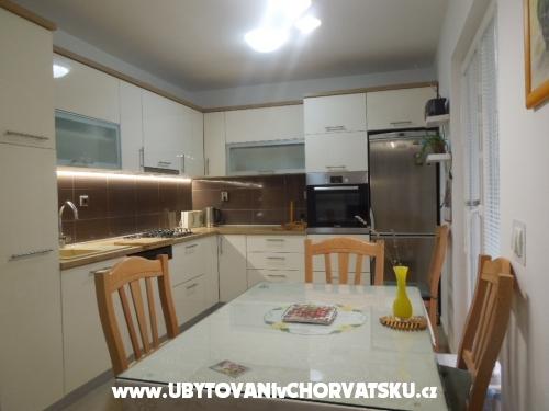 Apartmány  ARZENŠEK - Sv. Filip i Jakov Chorvatsko