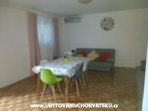 Apartmanok Ela - Sv. Filip i Jakov Horv�torsz�g