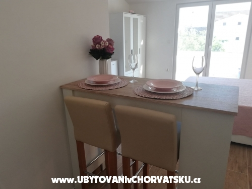 Appartements Ema - Sv. Filip i Jakov Kroatien