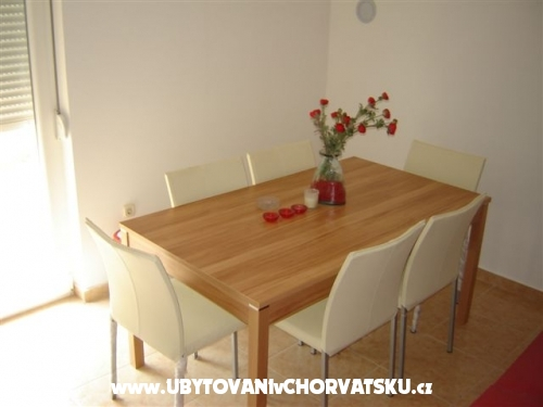 Apartments KALOVA - Sv. Filip i Jakov Croatia
