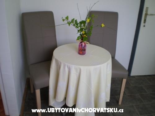 Apartm�ny Lidija - Sv. Filip i Jakov Chorvatsko