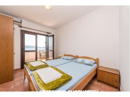 Appartements Mate - Sv. Filip i Jakov Kroatien