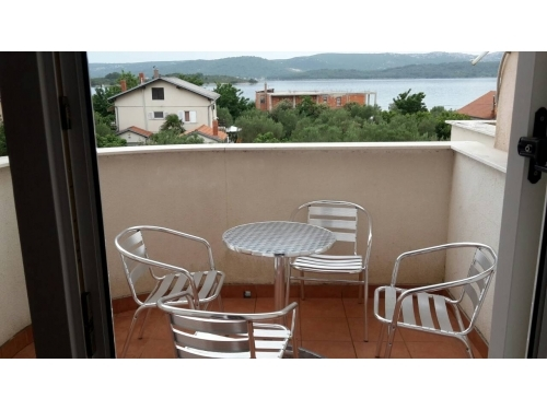 Appartements Matic - Sv. Filip i Jakov Kroatien