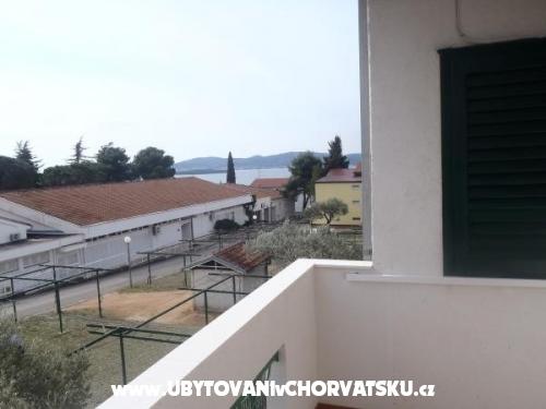 апартаменты Mrvi�i� - Sv. Filip i Jakov Хорватия