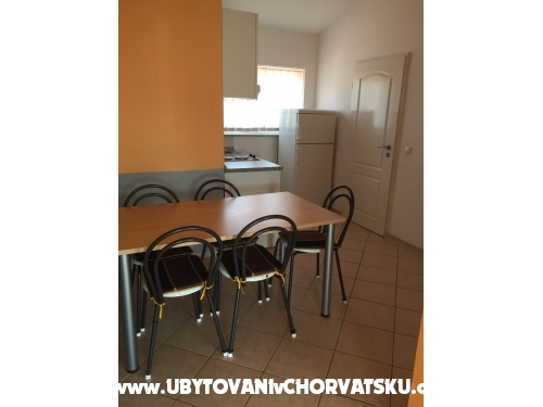 Appartements Paric - Sv. Filip i Jakov Kroatien