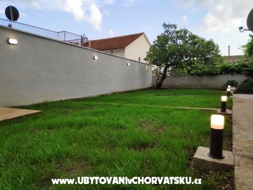 Apartmaji Aničić - Gradac – Podaca Hrvaška