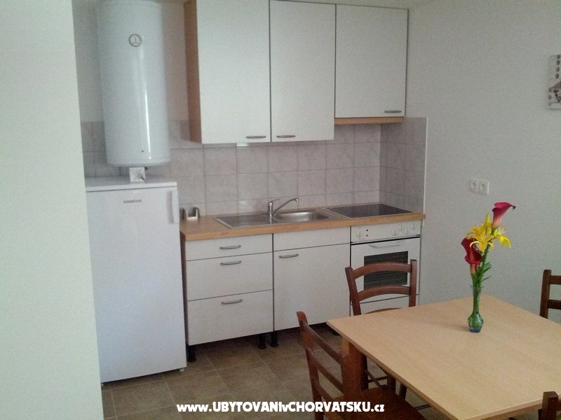 Apartmanok Baric1 - Gradac � Podaca Horv�torsz�g