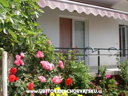 Apartmány Lasic - Gradac – Podaca Chorvátsko